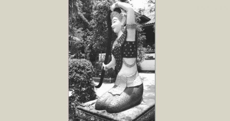 Phra Mae Thorani dans l'enceinte de l'ancienne école des Beaux Arts.